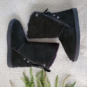 Clarks | Shearling Winter Boots | Size 6 | EUC!